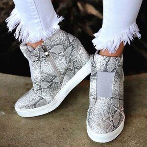 Shoes - NEW! SNAKE Print Wedge Platform Sneakers